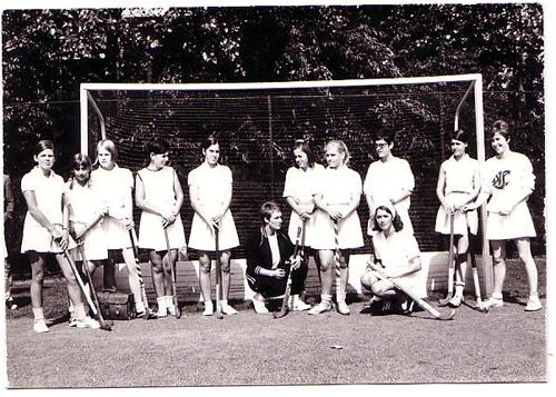Eerste dameselftal 1967